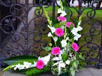 S12 Svatební dekorace k oltáři