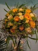 S16 Svatební kytice žluté růže