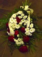 P6 Smuteční kytice růže